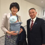 西村智奈美衆議院議員(新潟県1区。4期)に第一子の赤ちゃんが産まれ、現職議員として子育て中です。