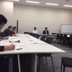 党の総務部門会議に参加しております。