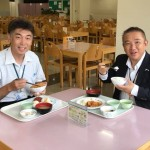 NEC相模原の社員食堂にて、オムロン労組の幸山委員長とランチ中です。