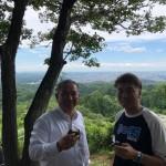 相模原地域連合事務局長の幸山隆さんと「国土安全」を願う航空神社に朝からお参りに来ております。