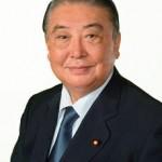 7月31日、大島理森衆議院議長から今国会を振り返っての所感が公表され、行政府を代表して菅官房長官に渡したほか、与野党各会派にも渡されました。