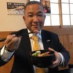 ランチ  ひかり寿司さんにて、新鮮な海鮮丼(800円)をいただきました^ – ^