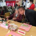 今日は午前中に、市内の特別養護老人ホームにお邪魔をし、お餅つきをお手伝いさせていただきました。