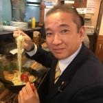 長年ポスターを掲示していただいております「らーめん 村田屋」さんで、ちゃっと贅沢にチャーシュー麺をいただきました^_^