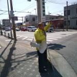 本日も朝から市内各地をまわり、遊説車にも乗りました。