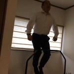 毎朝自宅のトランポリンでジャンプ。