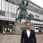 JR岡山駅前にて、桃太郎さんと撮影^ ^