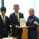 台風第19号の災害対応に関する緊急要望書を、武田良太内閣府特命担当大臣(防災)に、義家弘介法務副大臣と一緒に提出させていただきました。