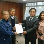 中道志川地区「キャンプ場銀座」代表の野呂さんらから、台風第19号被害による要望書をお預かりしました。