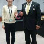 本市スポーツ課の青山由佳さんは、視覚障がい女子の道下美里選手のガイドランナーとして、2月2日に行われました別府大分毎日マラソンにて、世界新記録を出されました。