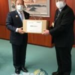 日産自動車株式会社相模原部品センターの古川総務課長より、フェイスシールドのご寄付をいただきました。