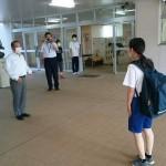 青和学園の学園生に、小畑校長先生らと朝の挨拶で立たせていただきました。
